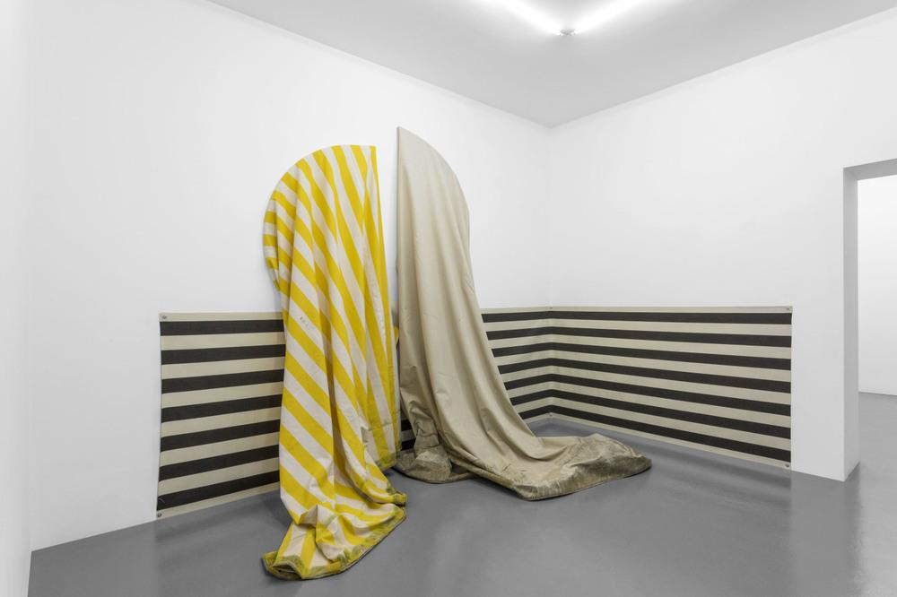 Installation view, Le Flâneur, T293