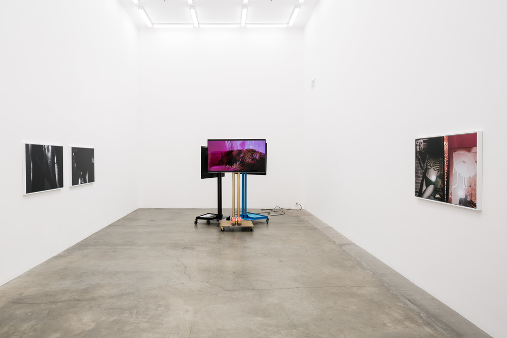 Installation view, Jen DeNike, If She Hollers, Anat Ebgi