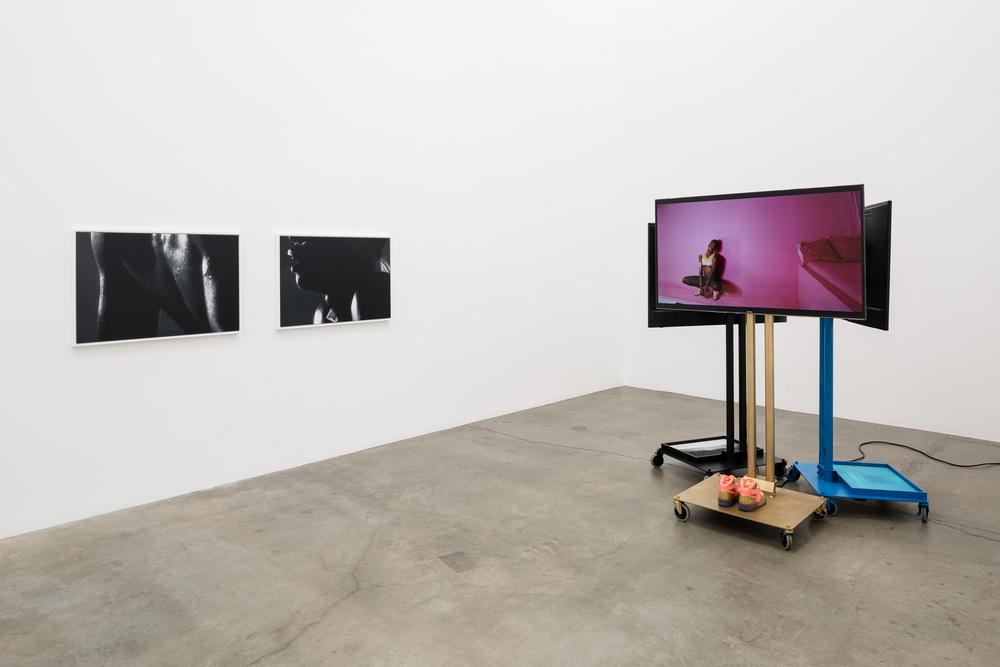 Installation view, Jen DeNike, If She Hollers , Anat Ebgi