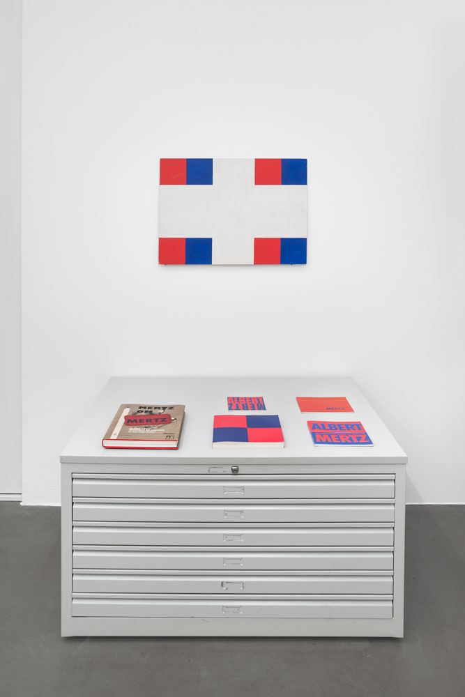 Albert Mertz, Untitled (r/b on white), 1982