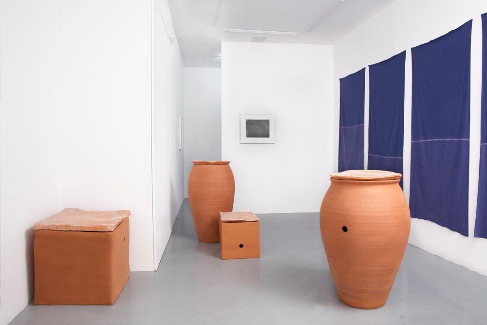 Installation view, Renato Leotta, Aventura, Galeria Madragoa