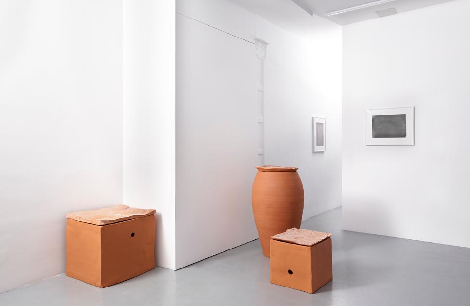 Installation view, Renato Leotta,Aventura, Galeria Madragoa