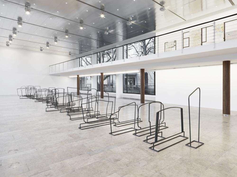 Installation view, Komplette Zimmer,Capitain Petzel