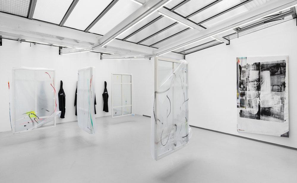 """Exhibition view """"De 10h à 4h du matin"""", Galerie Valentin"""