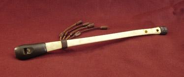 Gribbebensfløjte (gaita) af José Maria Valiente (Spanien).Vulrure wing bone flute (gaita) by José Maria Valiente (Spain)