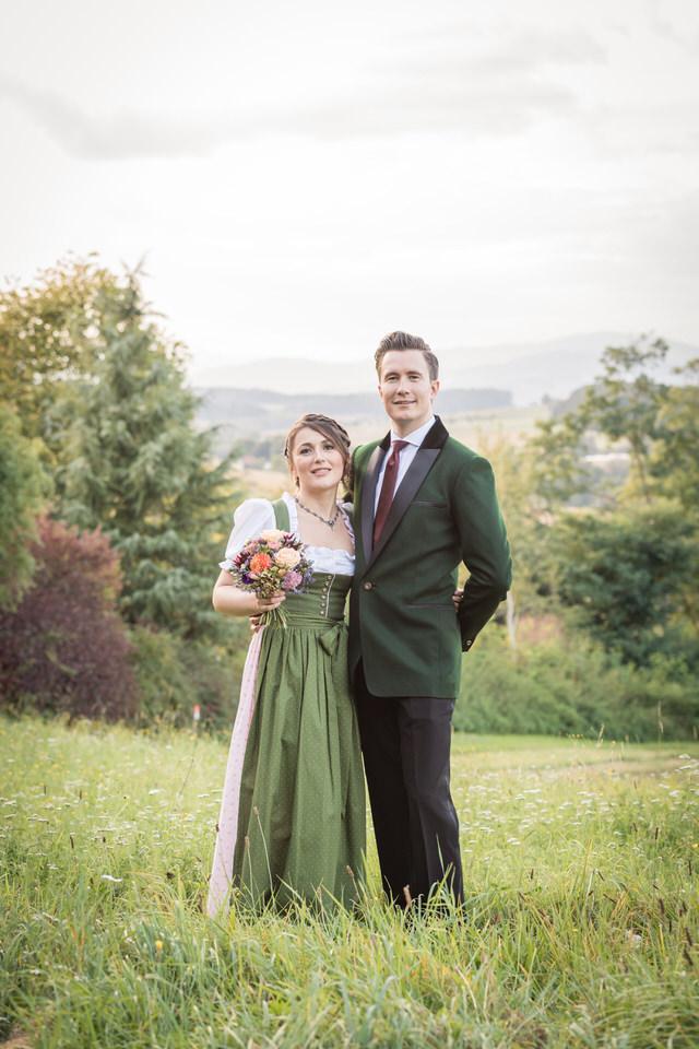 austria-SCHLOSS-OBERMAYERHOFEN-destination-wedding-photographer-13.jpg