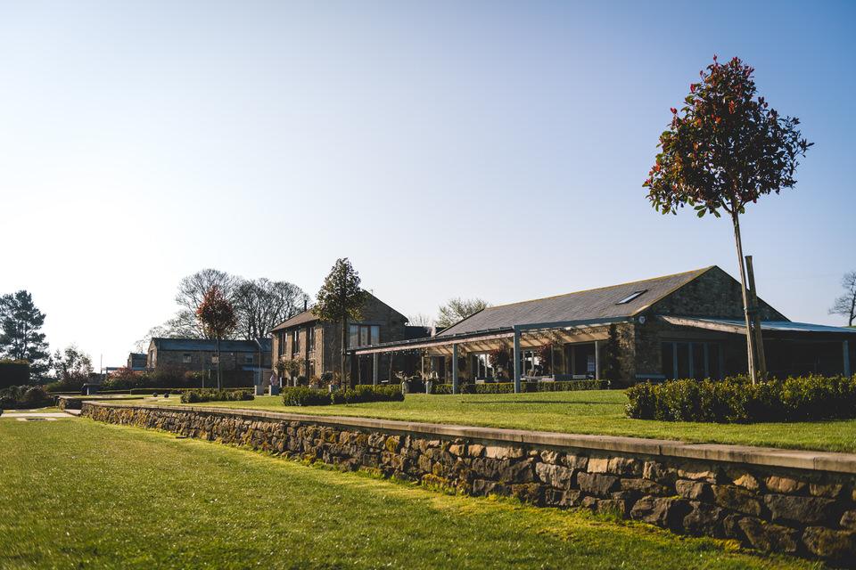the-yorkshire-wedding-barn-leeds-wedding-photographer-2.jpg
