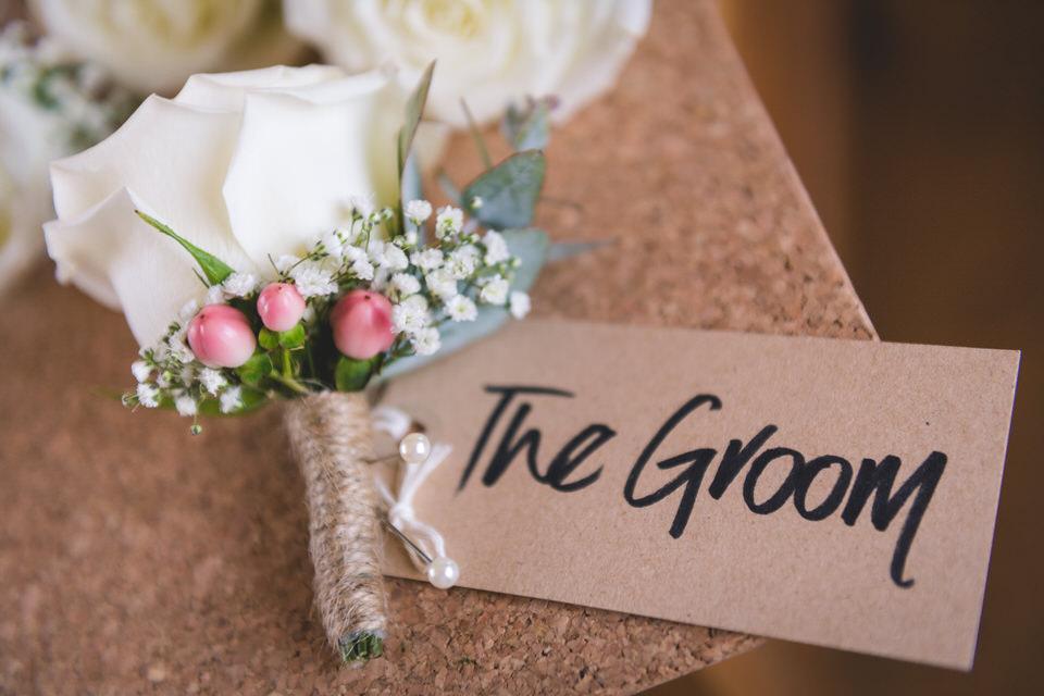 the-yorkshire-wedding-barn-leeds-wedding-photographer-7.jpg