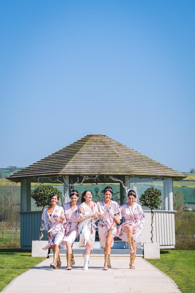 the-yorkshire-wedding-barn-leeds-wedding-photographer-14.jpg