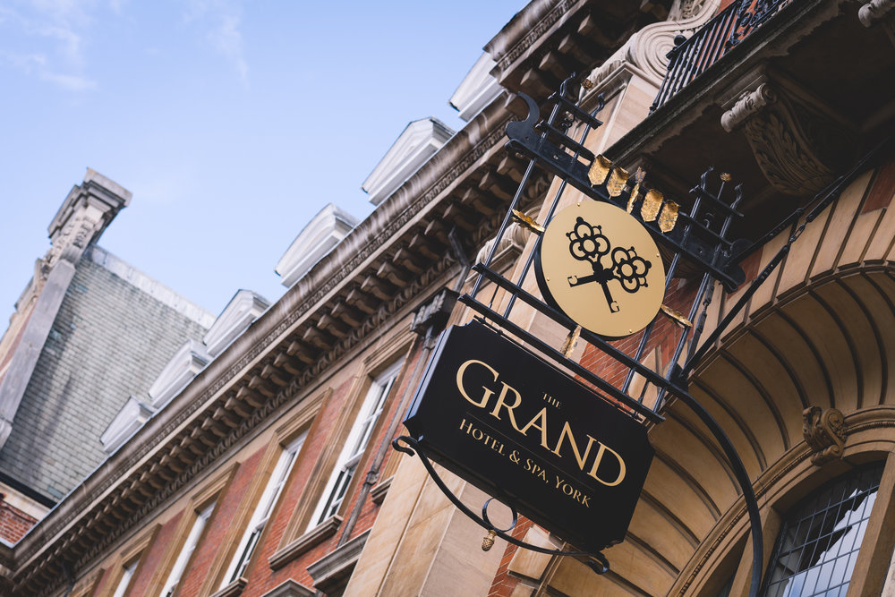 the-grand-hotel-and-spa-york-wedding-photographer-22.jpg