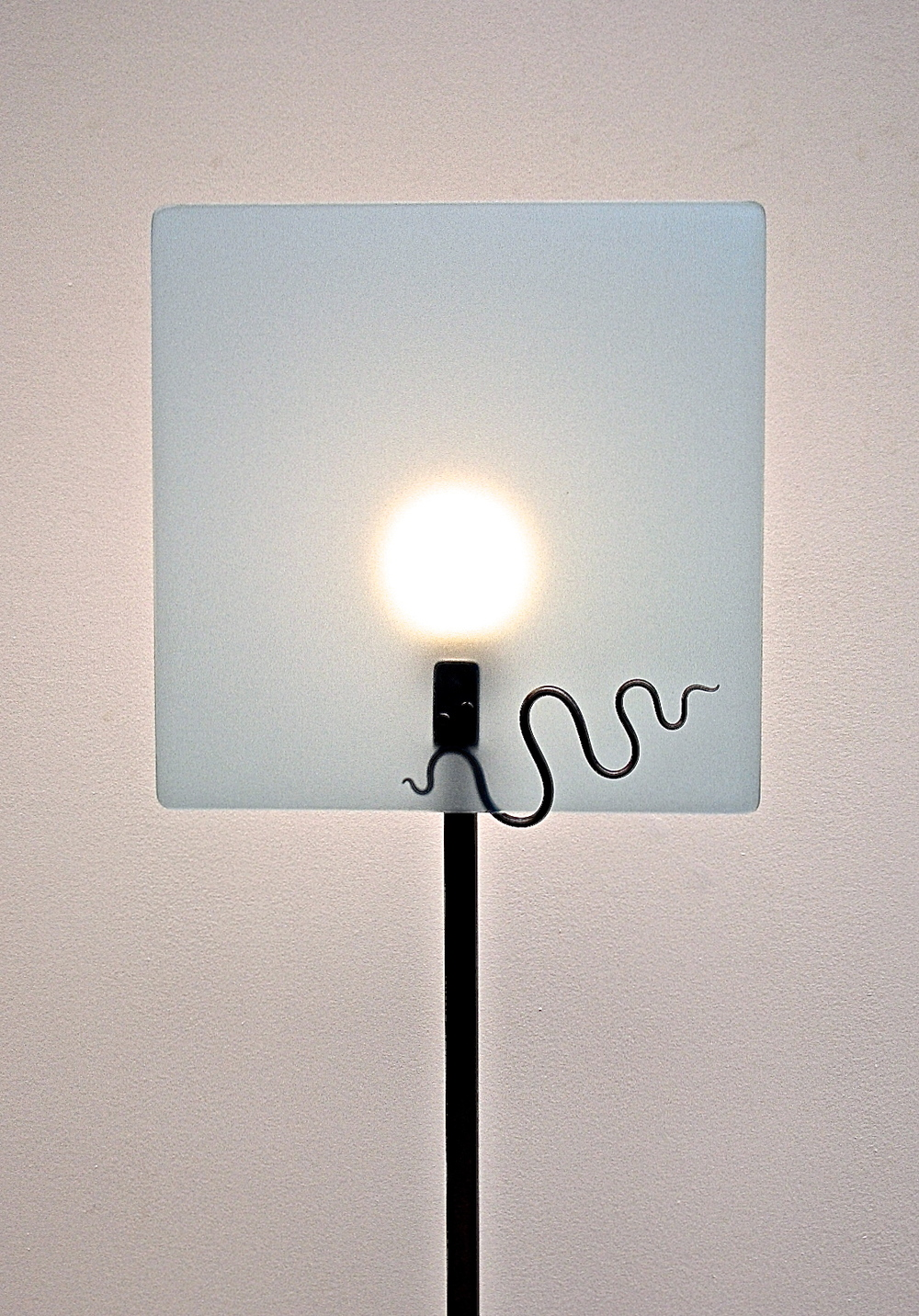 Wiggle Standard Lamp (Metal and Perspex)