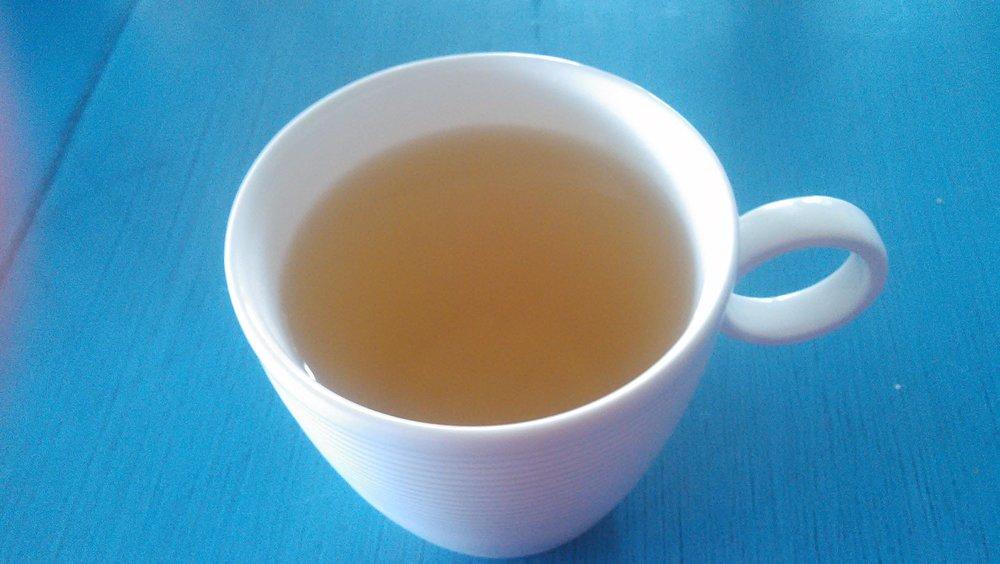 og i lokalmatens ånd, nyter vi en kopp løvetann te...
