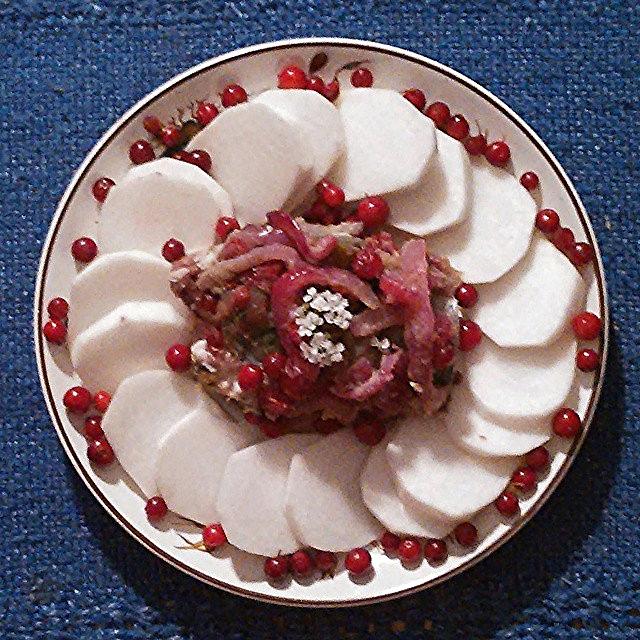 Makrell med tyttebær-løk