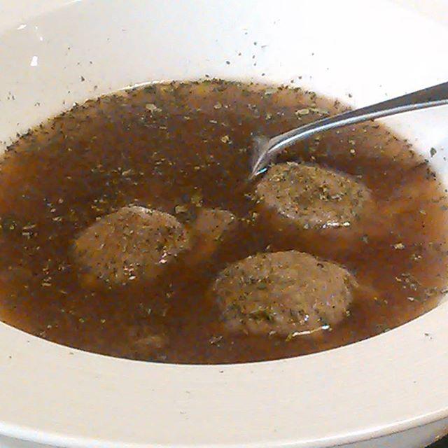 Steinsopp buljong og ravioli