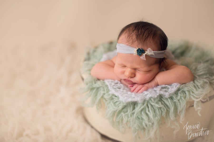 Fallyn, Iowa Newborn Photographer, Jessica Bonestroo Photography, newborn girl, newborn posing