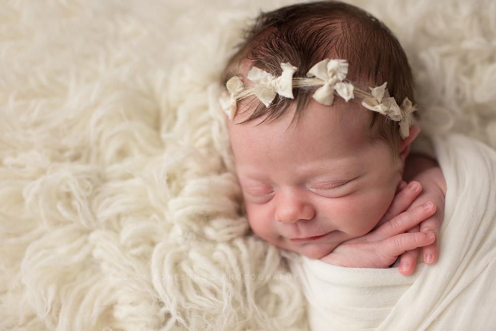 Claire iowa newborn photographer newborn session hull iowa baby girl