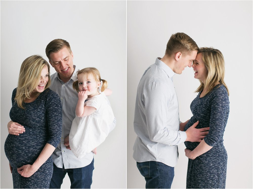 family maternity photos with big sister