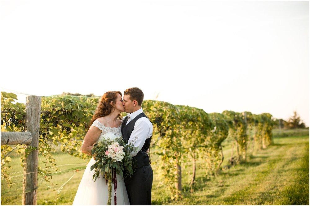 huizing wedding-585.jpg