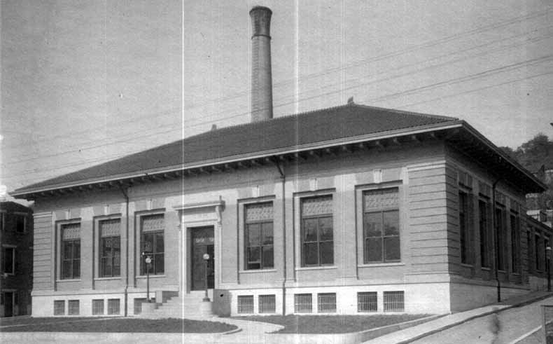 The old Western Hills pump station, 1907.  It was located on Queen City Avenue. [6]