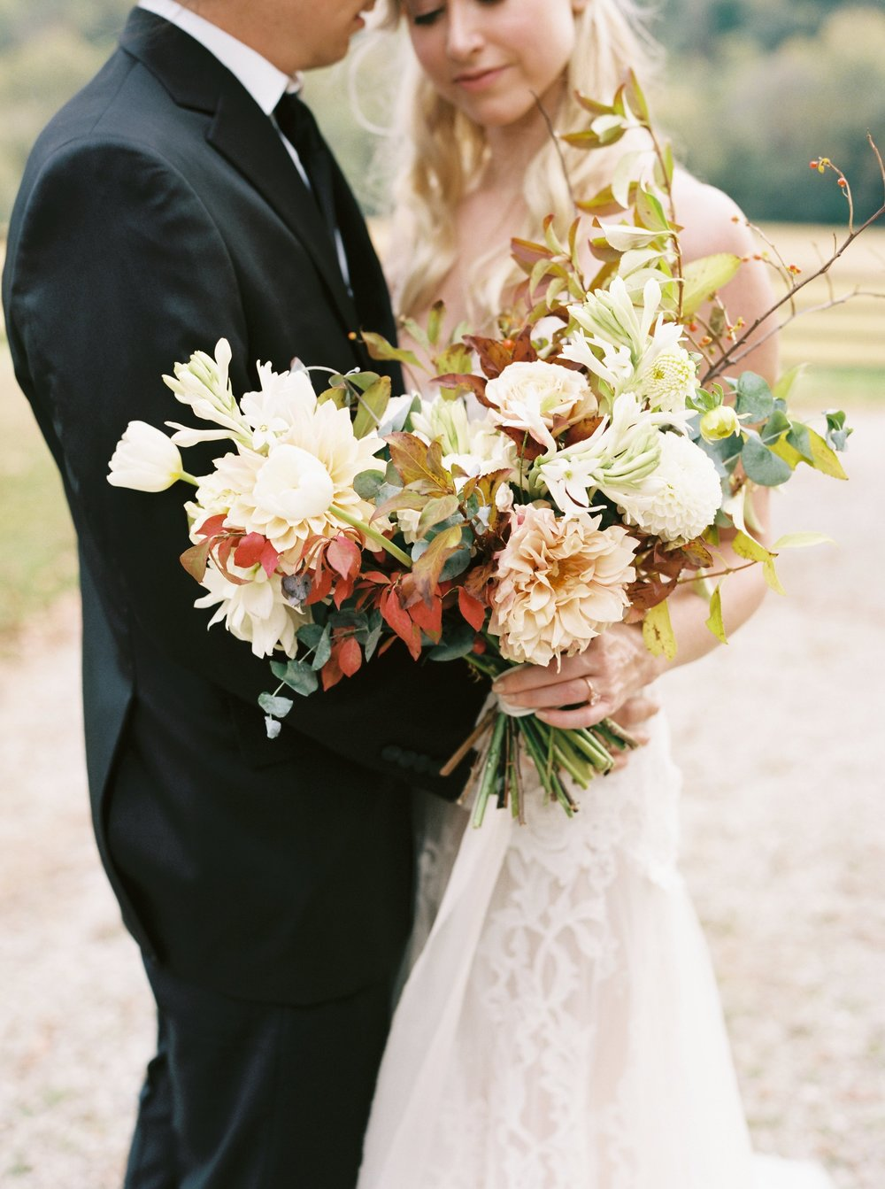 kyle john wedding photography chicago wedding photographer evergreen flower co bridal bouquet styled shoot