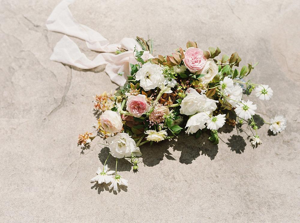lay-flat-bouquet-garden-inspired.jpg