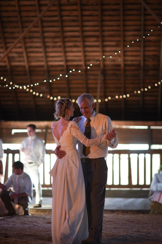 dancing-9380.jpg