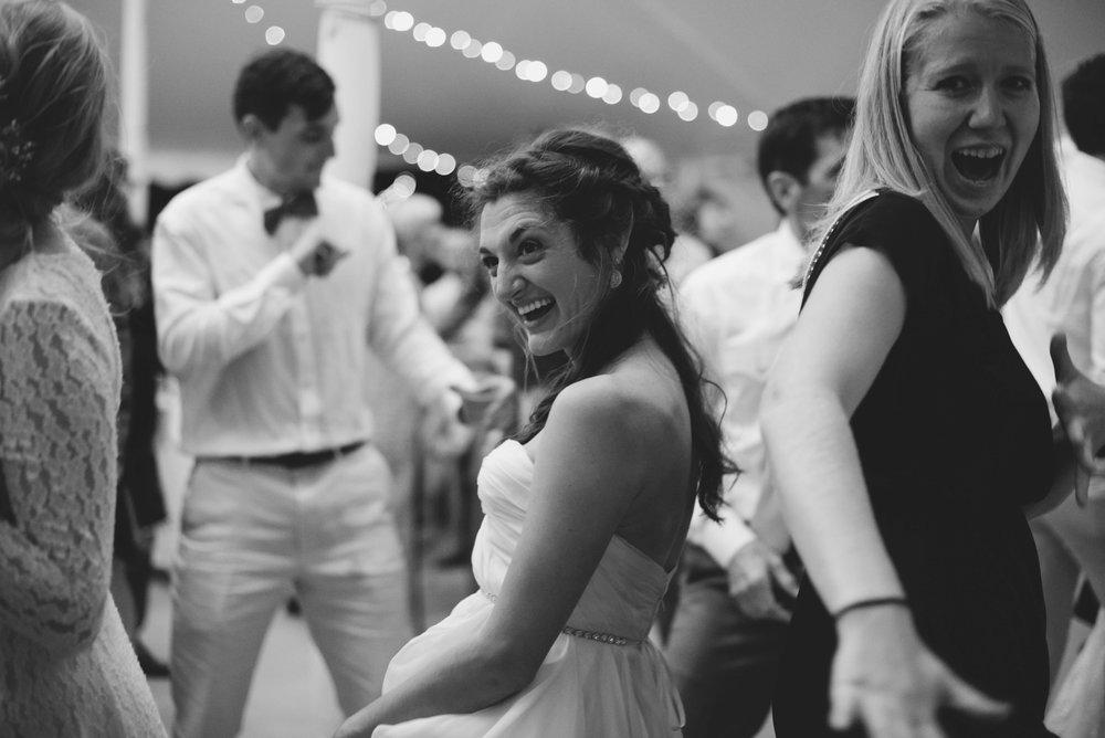 dancing-7162.jpg