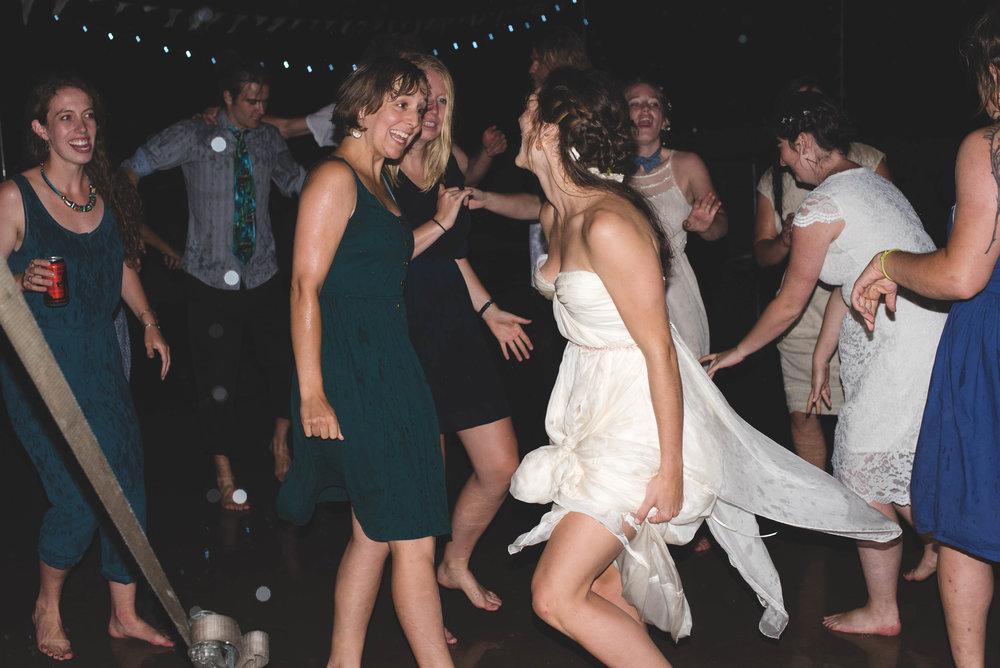 dancing-7660.jpg