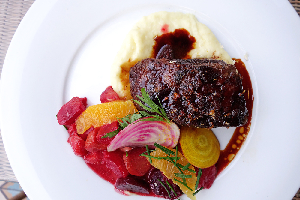 "BOEUF BORDELAISE $29 ("" braised short rib, roast garlic potato puree, beets, cippolini and pearl onions"")"