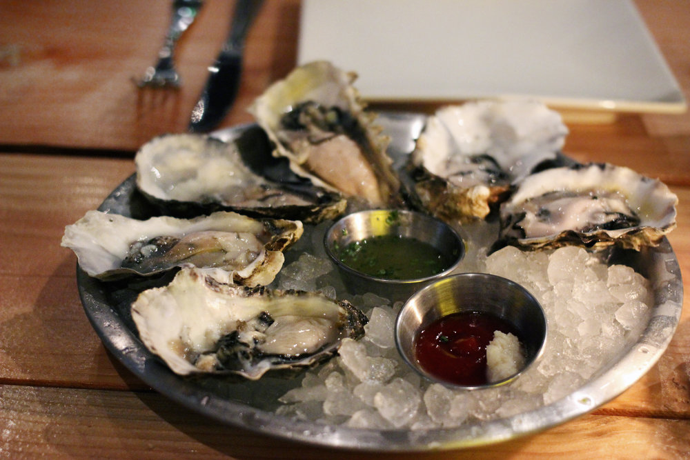 Oysters : Around 7 oysters to pick from.
