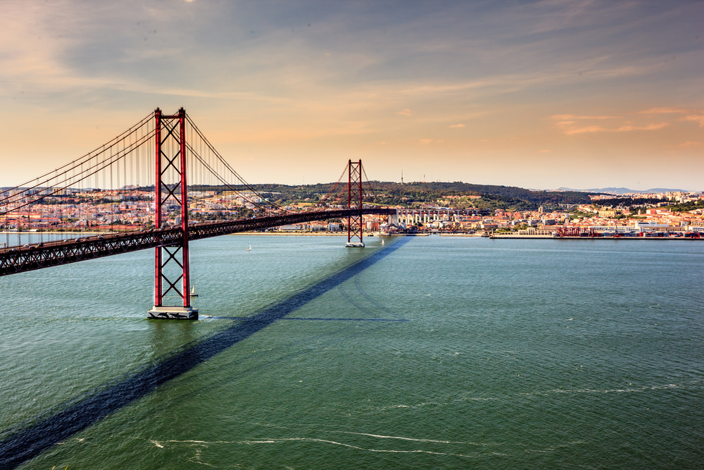 Lisbon, 25 de Abril Bridge