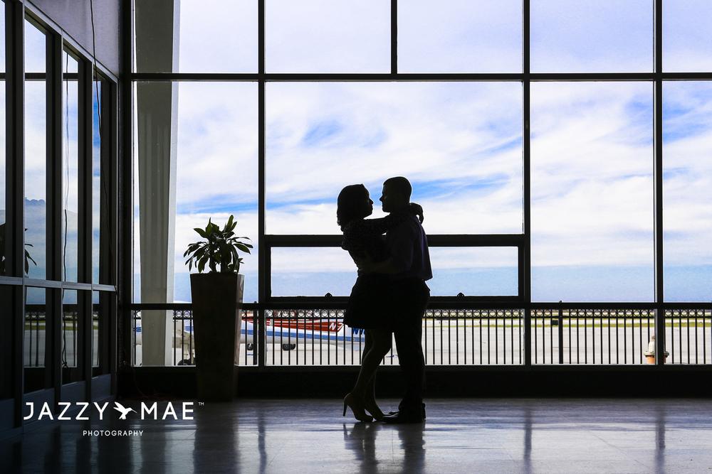 JOHNNY & BRYAUNE | Burke Airport | Cleveland Wedding Photography