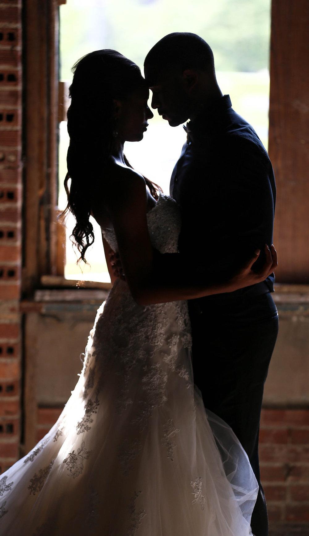 Josh&CourtneyJames_JazzyMaePhotography_ClevelandWeddingPhotography(274).jpg