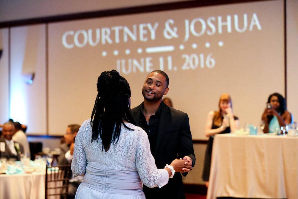 Josh&CourtneyJames_JazzyMaePhotography_ClevelandWeddingPhotography(409).jpg