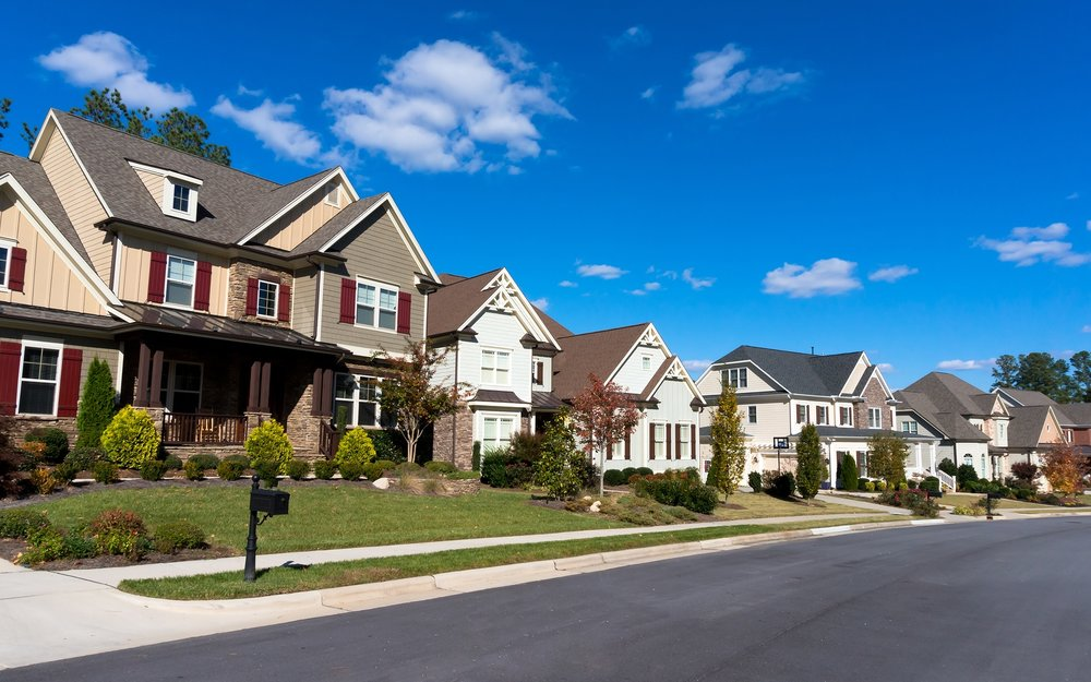 buying_a_home_in_an_hoa_neighborhood_can_be_a_great_move.jpg