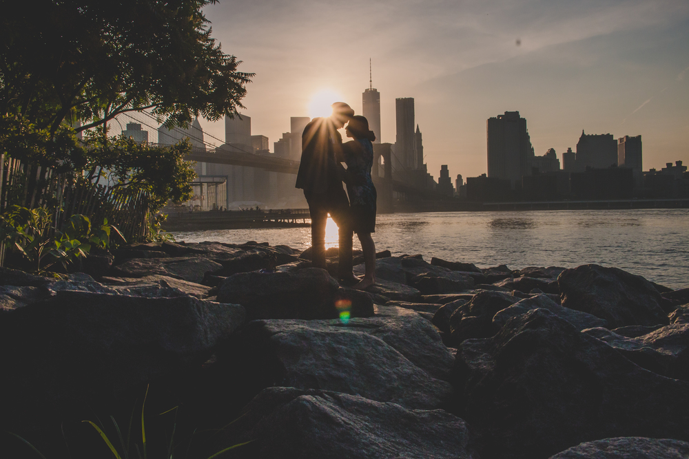 nyc silhouette couple photography