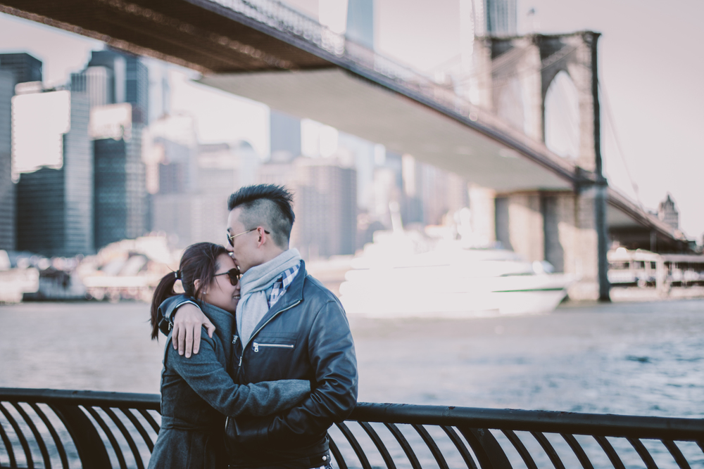 Brooklyn bridge skyline dumbo engagement session