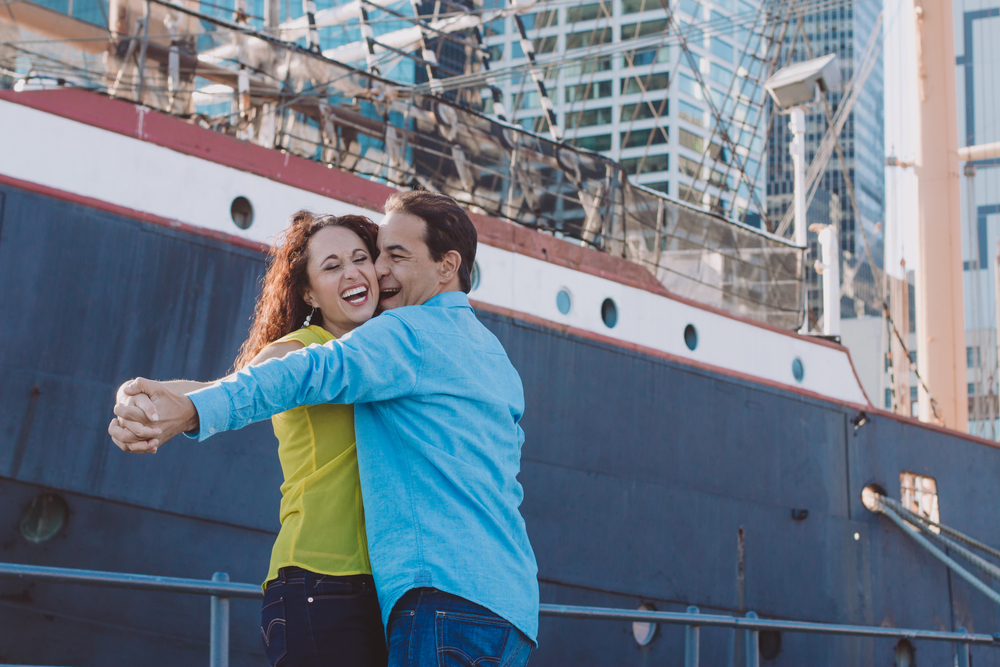 fun couple shoot in south street seaport nyc
