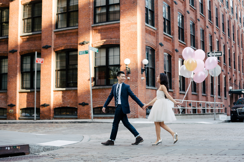 couple with balloons photography nyc