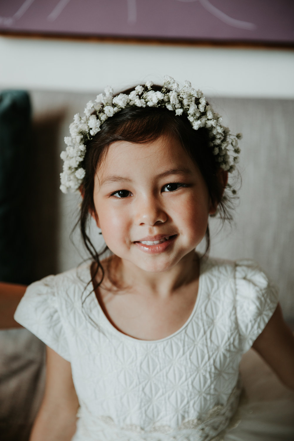 flower girl creative wedding photo