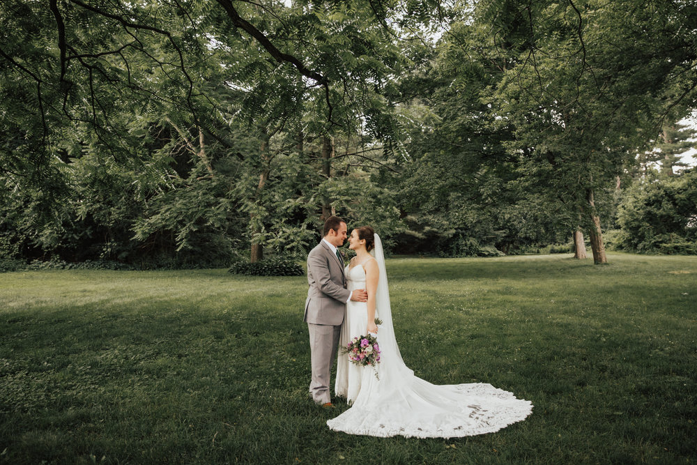 looks-like-film-weddings.jpg