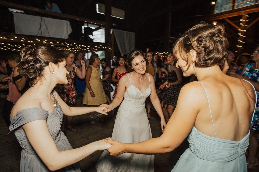 fun-new-york-wedding-photographer.jpg