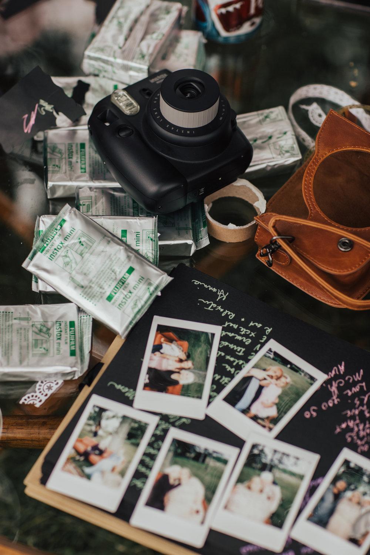 polaroid guestbook wedding