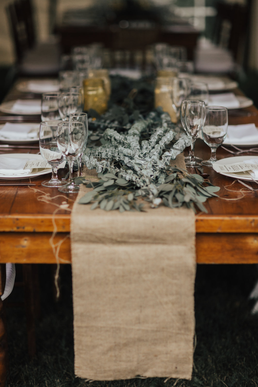 rustic greenery wedding decor