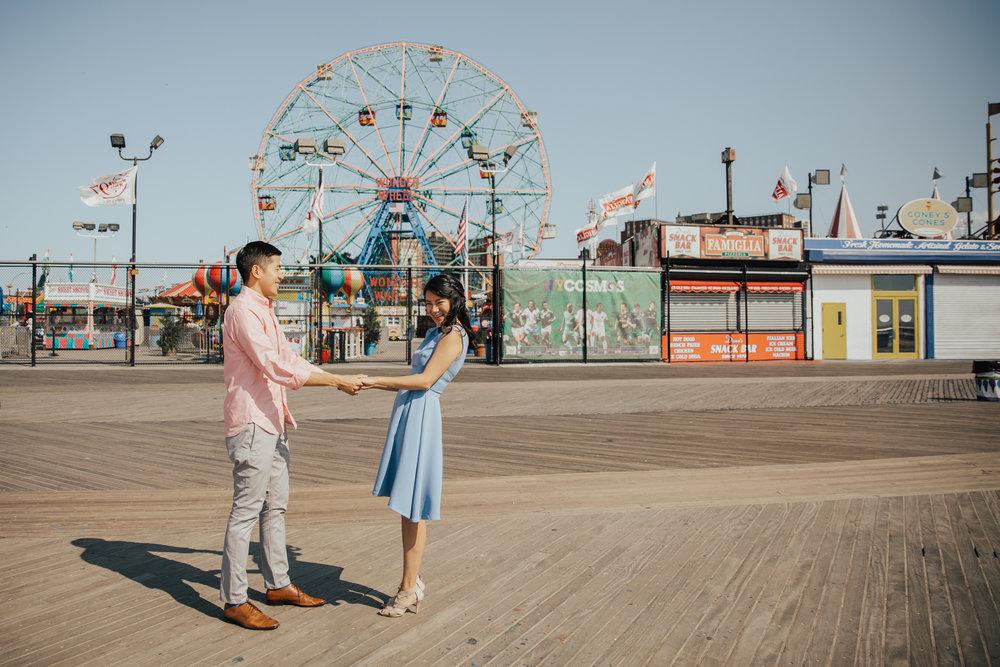 amusement park engagement photography