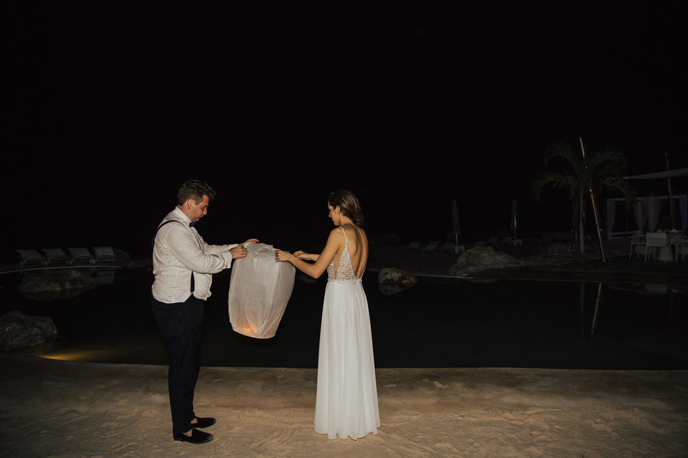 flying lanterns wedding