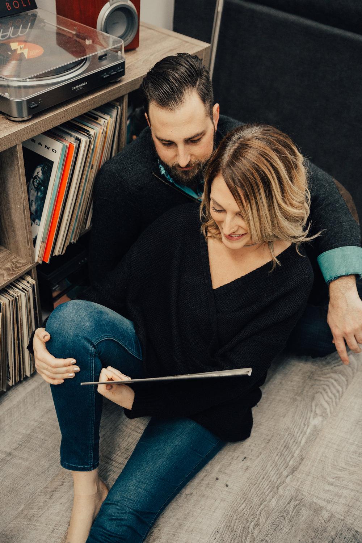 couple's cozy engagement photo shoot
