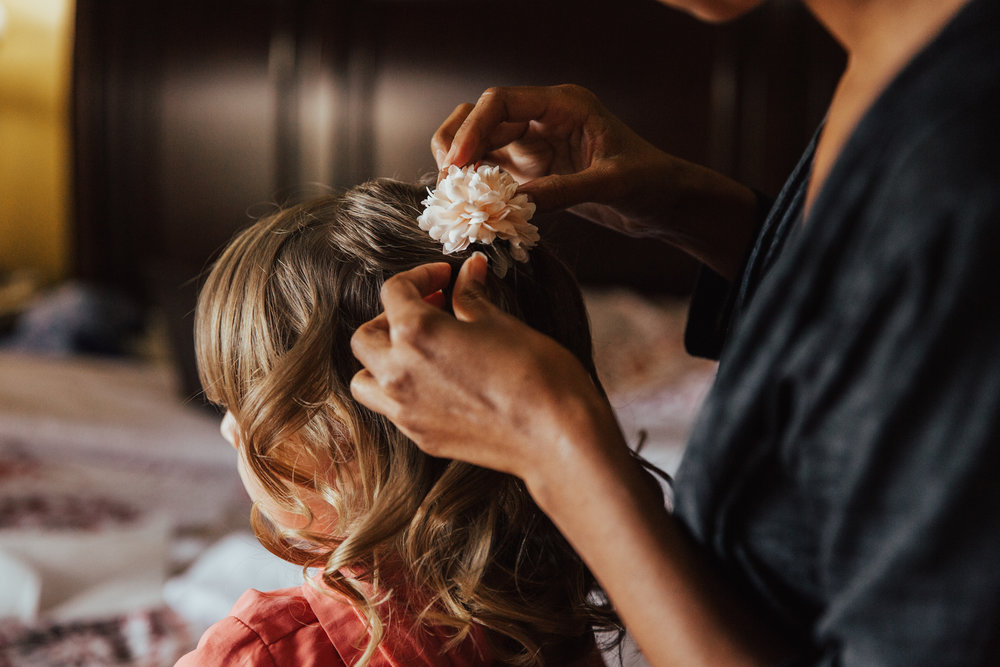 flower girl hairdo