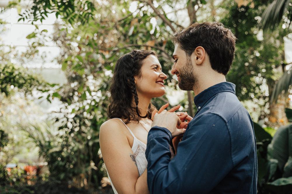 Handsome hollow wedding