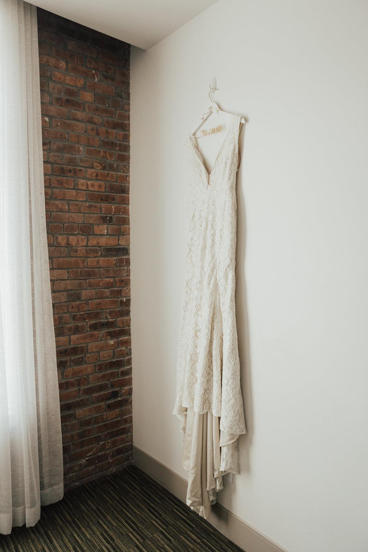 Laudae wedding dress